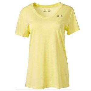 🆕 Under Armour Women's Twist Tech V-Neck Shirt